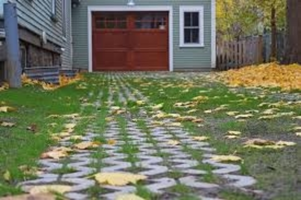 How to kill grass in a gravel driveway